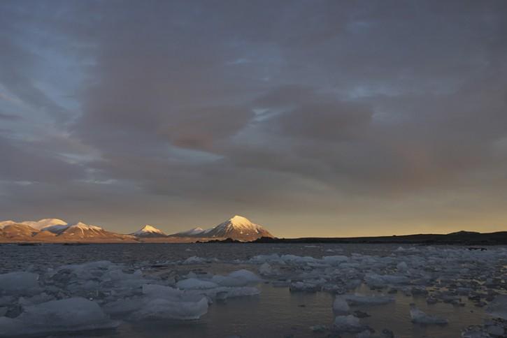 Krajobraz Arktyki - śwatło wczesnej jesieni