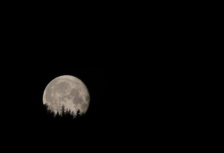 Zachód księżyca w Łukowicy